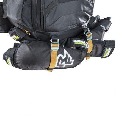 ElementStore - 5215-fr-trail-blackline-protector-carry-big
